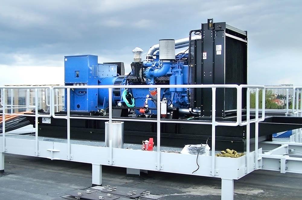 _0005_FLIPO-ENERGIA Data center – instalacja agregatu prądotworczego o mocy 800kVA na dachu budynku