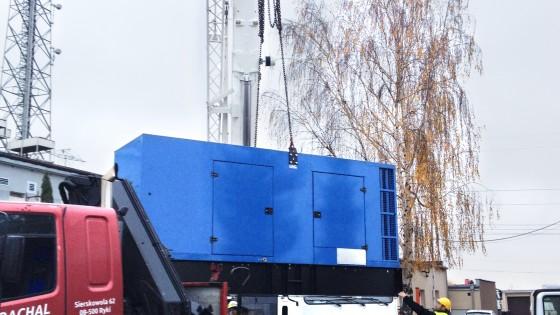 FLIPO-ENERGIA Serwerownia, Płock, 2015 Montaż agregatu prądotwórczego o mocy 550 kVA 2-bis
